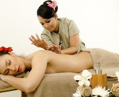 Гавайский массаж (Ломи Ломи)